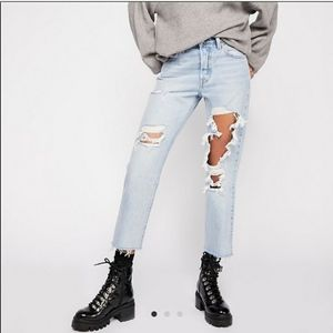 Levi's 501 High Rise Straight Destroyed Jeans 29